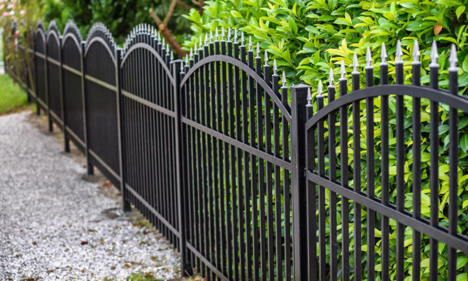 Czy tanie ogrodzenie może być dobre? Fakty i mity