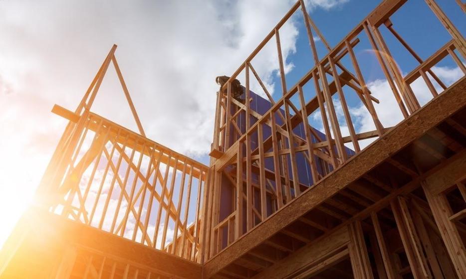 Czy domy szkieletowe mogą przyjmować formę piętrową?