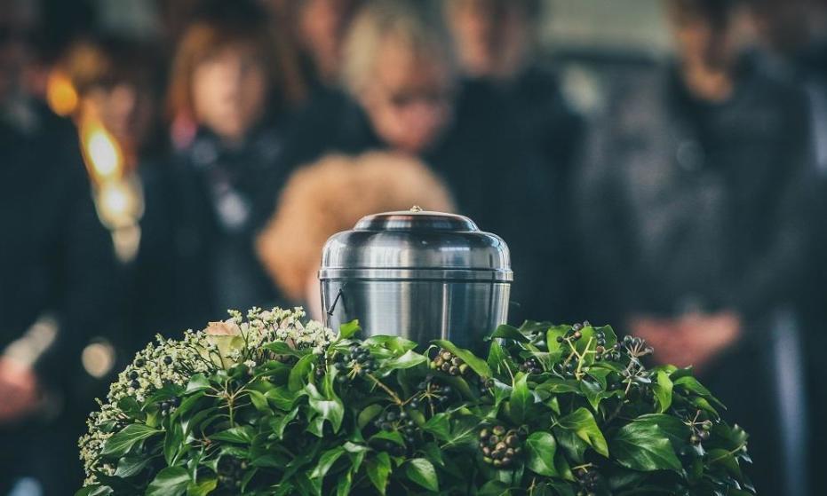 Dlaczego kremacja zwłok to coraz popularniejsze rozwiązanie?