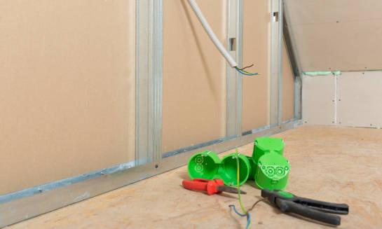 Instalacje elektryczne niezbędne w każdym domu i mieszkaniu