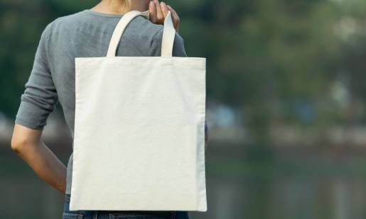 Dlaczego torby ekologiczne z nadrukami wypierają torby foliowe?