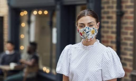 Maseczka ochronna z nadrukiem - nowy element mody ulicznej