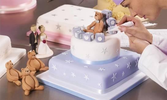 Modne torty dekoracyjne. Trendy i inspiracje