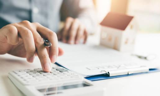 Zdolność kredytowa a zakup mieszkania. Co warto wiedzieć?