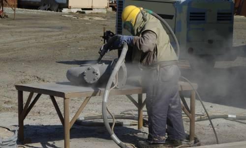 Na czym polega piaskowanie?