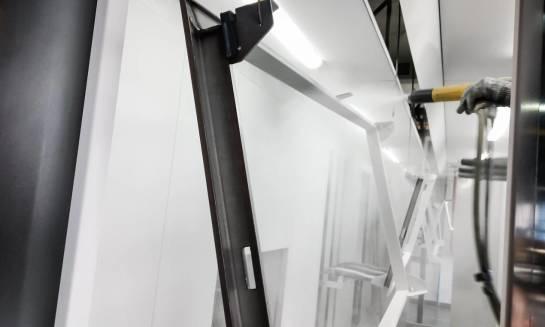 Jak przebiega proces malowania proszkowego krok po kroku?