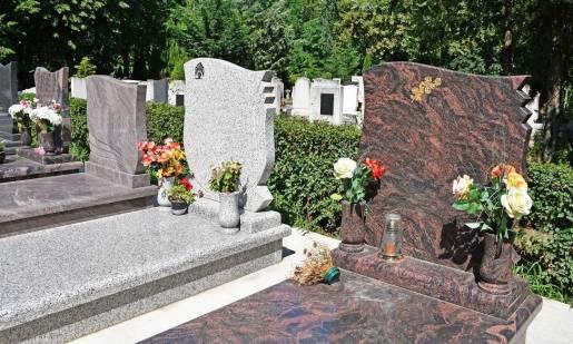 Jak zamówić tabliczkę na grób?