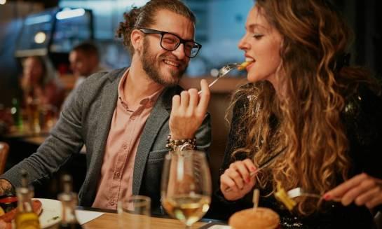 Organizacja imprezy okolicznościowej – w domu czy w zajeździe?