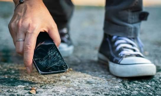 Jak zabezpieczyć smartfona przed uszkodzeniem?