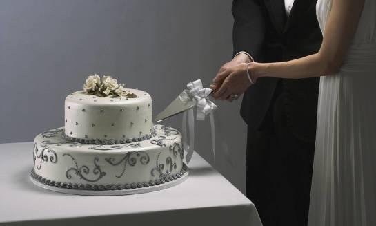 Tort jako symbol wesela