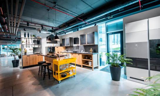 Jak działają salony mebli kuchennych?