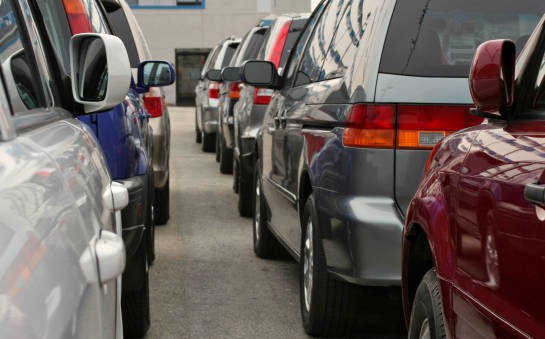 Kiedy warto oddać samochód do skupu i czy to się opłaca?