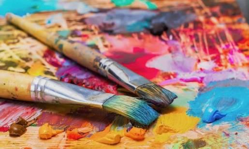 Jak tworzyć trwałe rysunki na tekstyliach?