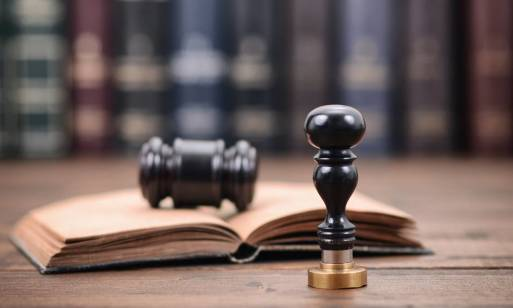 Czym zajmuje się notariusz? Podstawowe czynności notarialne