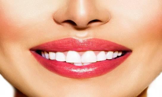 Makijaż permanentny ust – dlaczego warto?