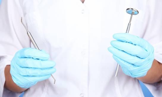 W jaki sposób zdobyć uprawnienia do wykonywania zawodu technika sterylizacji medycznej?