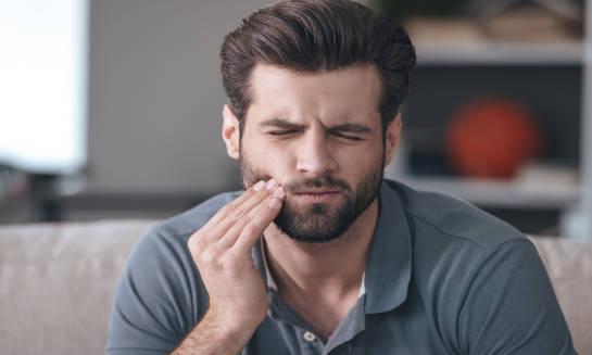 Jak skutecznie wyeliminować nadwrażliwość zębów?
