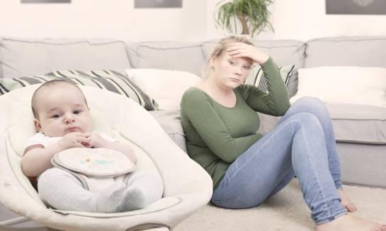 Depresja poporodowa. Co robić i jak jej zaradzić?