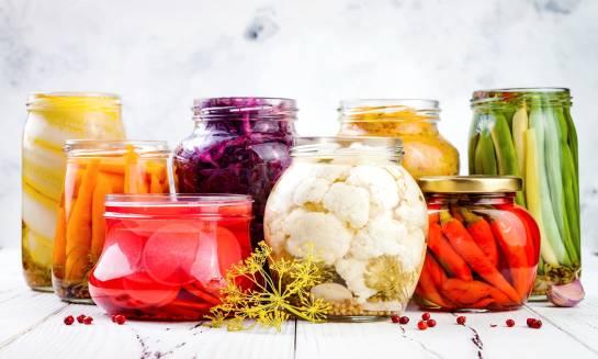 Jak dbać o florę bakteryjną jelit?