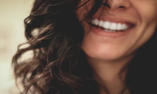 Irygator do zębów - idealne uzupełnienie prawidłowej higieny jamy ustnej