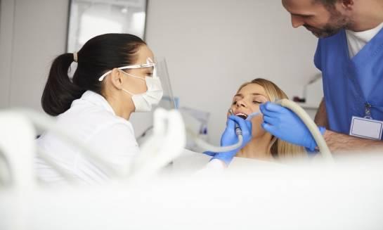 Czym zajmuje się endodoncja?