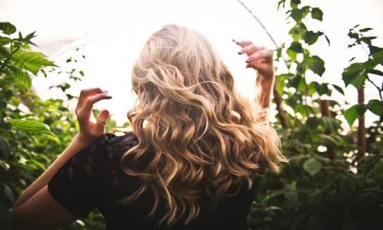 Nasze włosy z czego się cieszą, a czego nie lubią ?