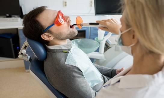 Laserowe leczenie dziąseł. Podstawowe informacje