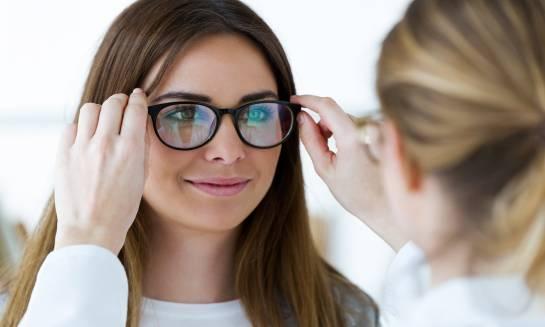 Jak wybrać okulary do pracy przy komputerze?