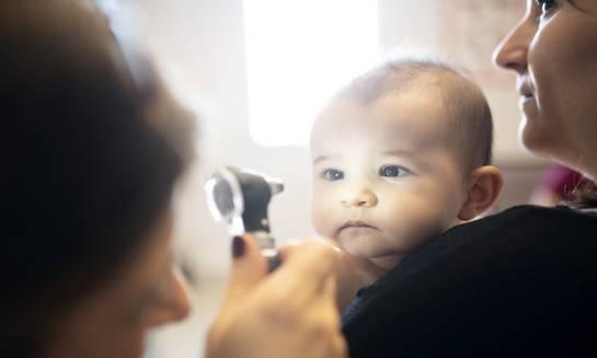 W jakim wieku przeprowadzić pierwsze badanie wzroku u dziecka?