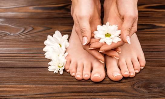 Kosmetyki niezbędne do pielęgnacji stóp i dłoni