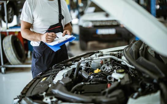 Serwisowanie nowych pojazdów. Jakich reguł należy przestrzegać, aby nie stracić gwarancji?