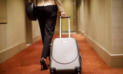 Organizacja podróży służbowej a kwestia noclegu. Jak znaleźć pokój dla pracownika?