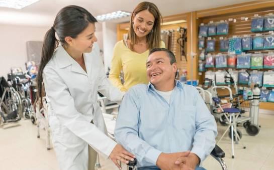 Jak wybrać wózek inwalidzki i na co zwrócić uwagę?