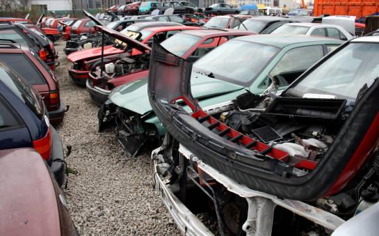 Czy da się złożyć kompletny samochód z części kupionych na złomowisku?