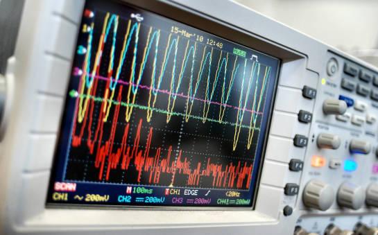 Systemy ciągłego monitorowania drgań i wibracji – gdzie powinny być wdrożone?