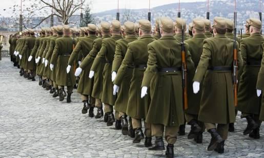 Jak powstają mundury wojskowe? Etapy produkcji