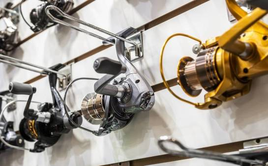 Czym wyróżniają się kołowrotki spinningowe?