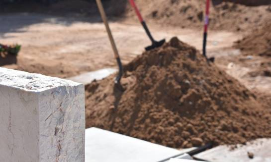 Z jakich powodów przeprowadza się ekshumacje?