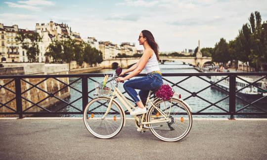 Zasady bezpieczeństwa w trakcie jazdy na rowerze