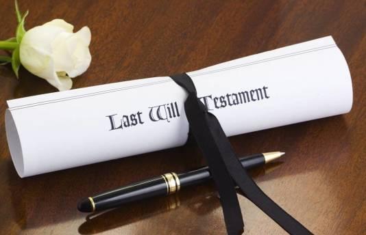 Co powinien zawierać testament, by był ważny w świetle prawa?