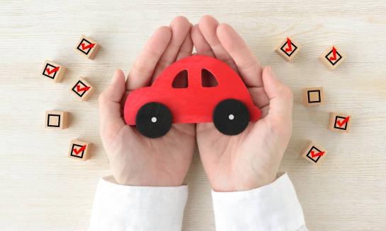 Bezpieczeństwo na drodze, czyli jakie ubezpieczenie powinien mieć kierowca?