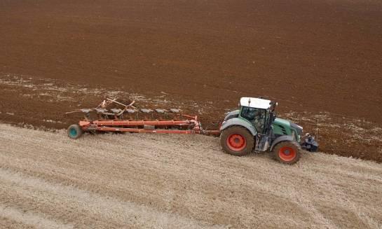 Jak przygotować pług rolniczy do sezonu?