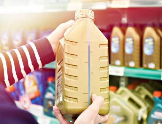 Czym się różnią oleje syntetyczne od półsyntetycznych?