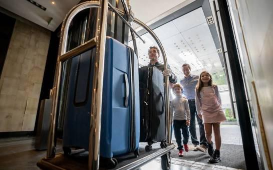 Czym cechuje się dobry obiekt hotelowy na wakacje z rodziną?