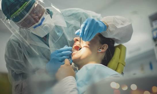O czym może świadczyć ból zęba?