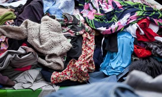 Jak wygląda proces przygotowania odzieży używanej do sprzedaży?