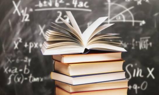 Zakup tanich podręczników szkolnych bez wychodzenia z domu