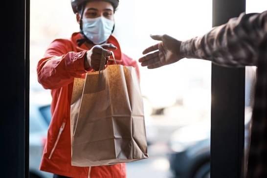 Catering z dowozem jako świetne rozwiązanie na czas pandemii