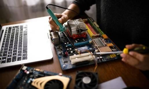 Jak często należy wykonywać czyszczenie komputera?