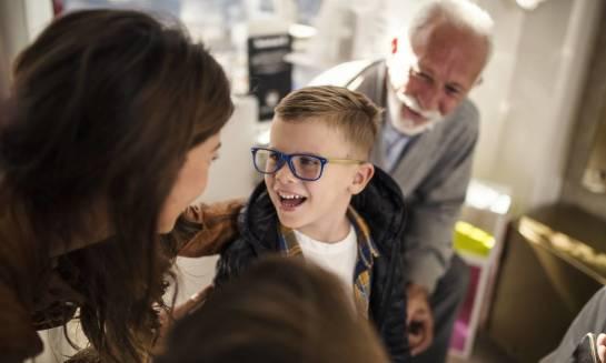 Pierwsze okulary dla dziecka – jak dobrać je właściwie?